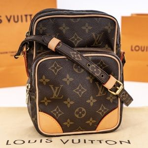 LOUIS VUITTON Amazone Crossbody Vintage